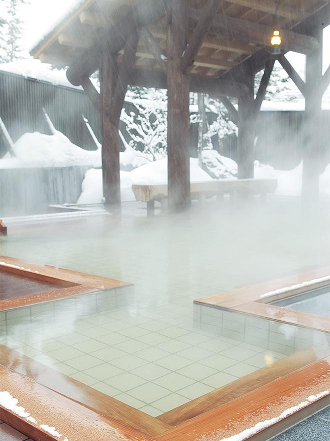 鰐の湯 つつじ 露店風呂